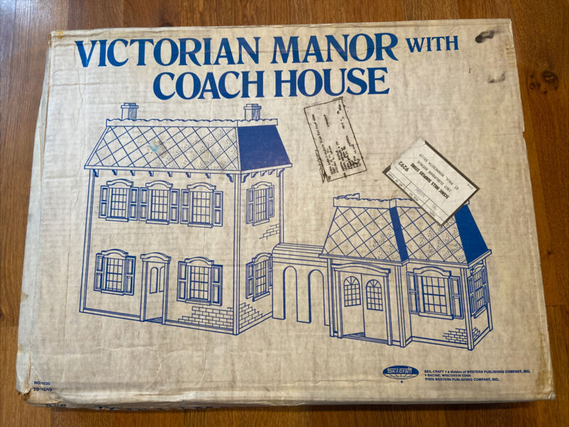 VINTAGE Dollhouse - Victorian Manor-Coach House - 1979 Skilcraft - Hard to Find!