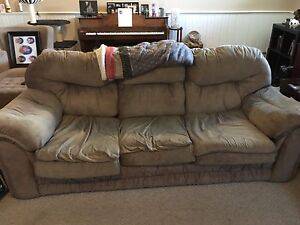 Couch with pullout and matching loveseat all for only $100