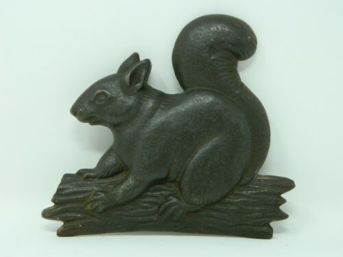 Cast Iron Squirrel On Log Branch - Flat, Not Free Standing