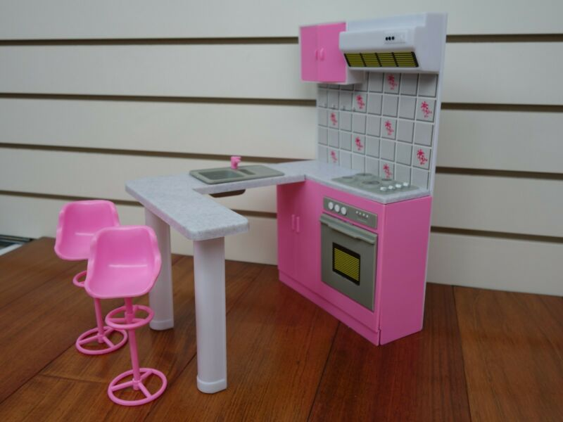Barbie dining room