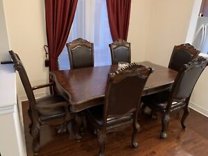 6 to 8 seats extendable dining room table