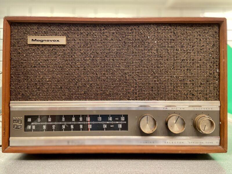 Vintage Magnavox Prelude WORKS - VIDEO; Model FM-48 Midcentury 1960s Tube Radio