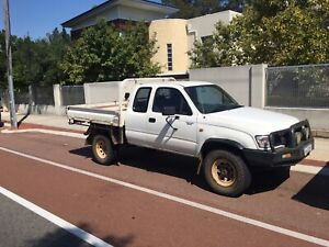 2004 Toyota Hilux (4x4) 5 Sp Manual 4x4 C/chas
