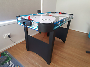 Air hockey table Mount Cotton Redland Area Preview