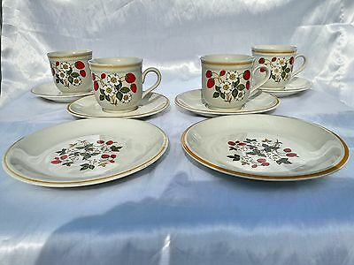 Strawberries 'N Cream Stoneware Pottery By Sheffield, Made In Japan 10 Piece Set