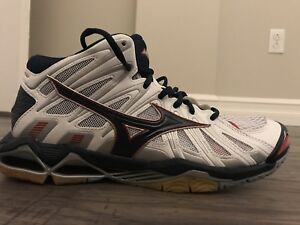 Size 10 volleyball shoes