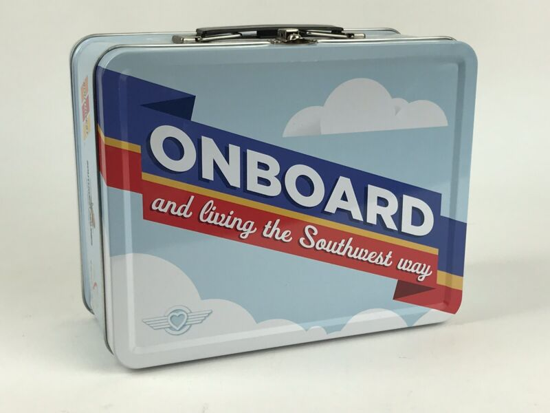 SOUTHWEST AIRLINES LUNCHBOX in Excellent Condition - Never Used