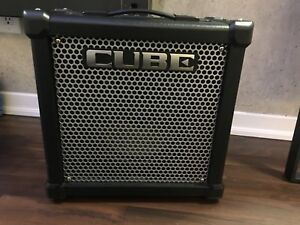 Electric Guitar Amplifier - Roland CUBE-20GX