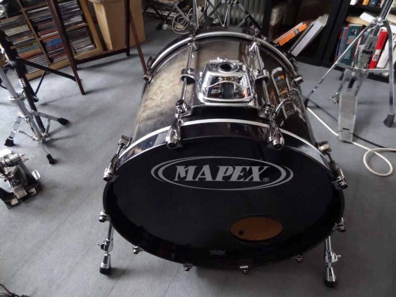 Mapex Bass Drum/ Orion Ebony Burst w/ Soft Case