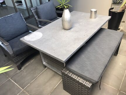 SELLING OUTDOOR FURNITURE