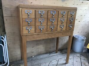 VINTAGE GOLDEN OAK LIBRARY INDEX CARD CABINET