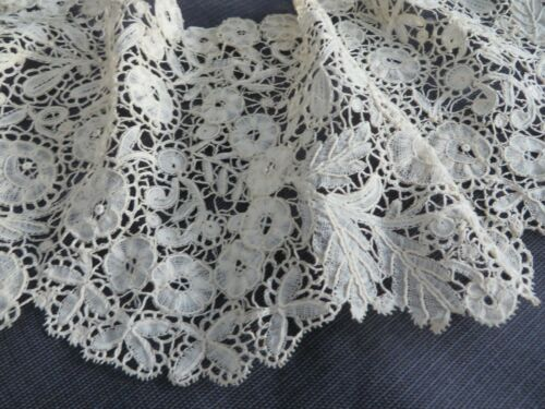 Antique Early Intricate Duchesse Bobbin Lace  Wide Large Collar Lappet Scarf