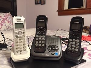 Uniden Digital DECT 6.0 Cordless Phone System with 3 Handsets