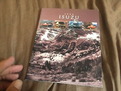 1994 Isuzu Rodeo Trooper and Pickup USA Color Brochure Catalog Prospekt