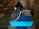 Adidas NMD R1, Blackout. US 10.5