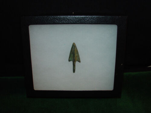 Museum Quality Middle Bronze Age Circa 1500 BC - Bronze Arrowhead