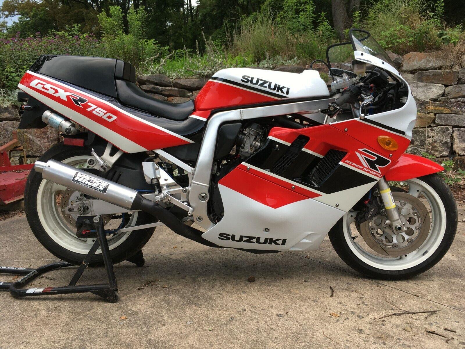 1990 GSX-R750 (L) Slingshot, 14,982 mi, owned and garage kept since April 1999