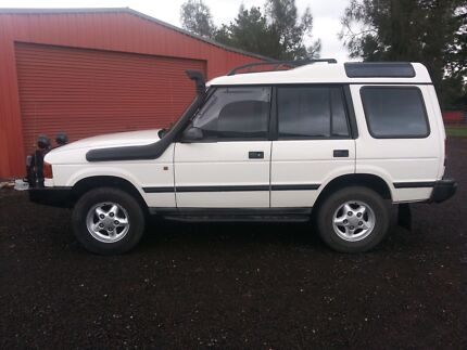Land rover discovery 300 tdi 4x4 turbo diesel auto rwc  Mickleham Hume Area Preview