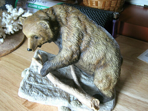 "Vintage BROWN BEAR ""Endangered Species"" Porcelain Masterpiece Figurine 1994"