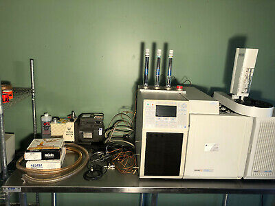 Varian Cp-3800 Gc W Saturn Ion Trap 2000 Gcmsms System Autosampler Cp-8400