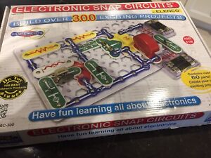 Brand new Elenco Electronic snap circuits learning kit