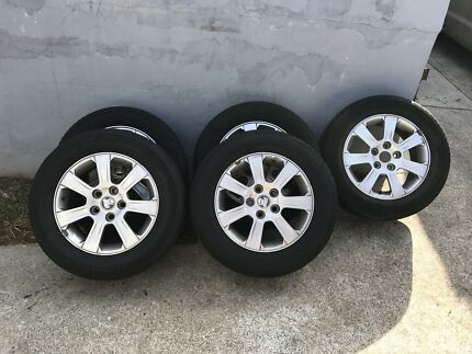 VE COMMODORE ALLOY WHEELS!! SET OF 5!!