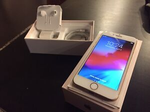 Selling Unlocked 64 Gb iPhone 8 **MINT CONDITION**
