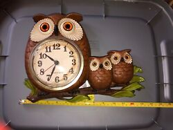 Vintage New Haven Quartz Owl Clock, Burwood Products Co In FINE WORKING COND