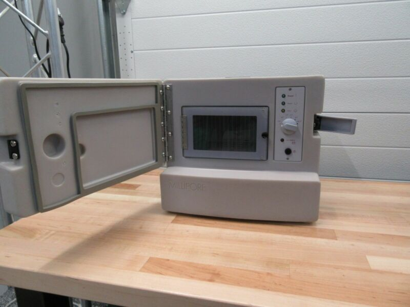 MILLIPORE XX6310000 Single Chamber Lab & Field INCUBATOR Water Testing Case