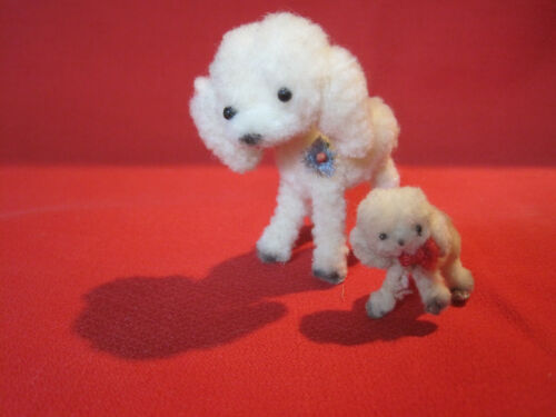 Vintage wool pipe cleaner poodle dogs, mother and puppy
