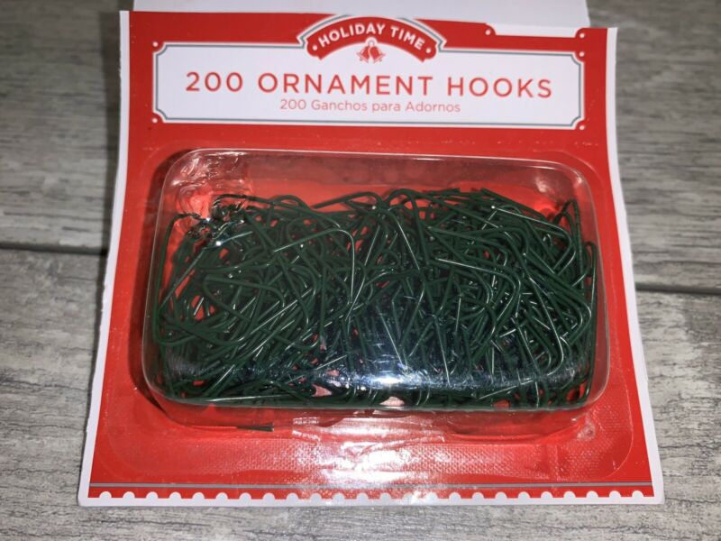 """200 CHRISTMAS ORNAMENT HOOKS TREE HANGERS 200 GREEN WIRE 1"""" 1 PACK OF 200"""