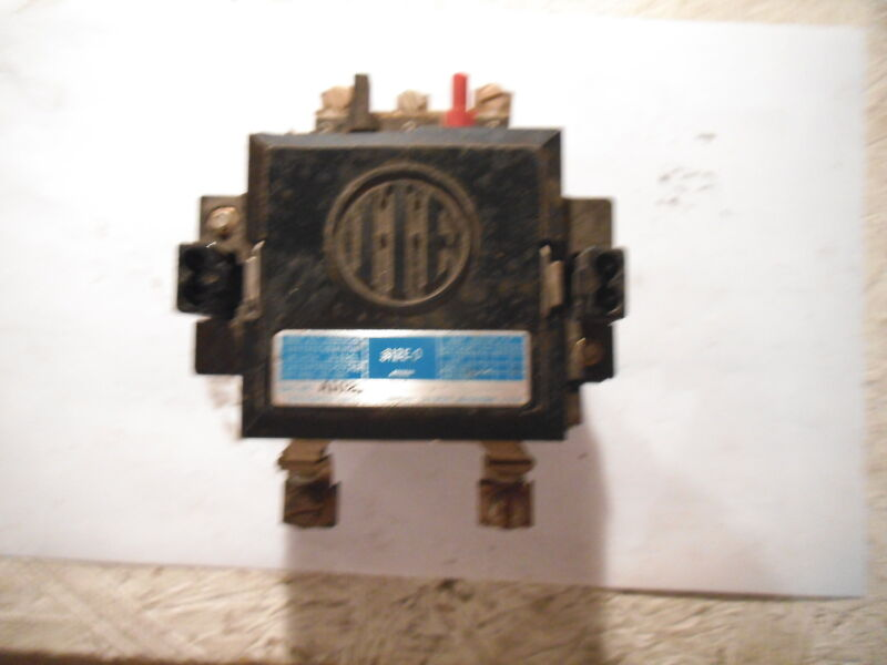ITE CONTACTOR A102B SIZE 0 - USED,  PART OF PLACTIC COVER IS CHIPPED