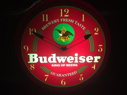 Vintage Budweiser Bar Advertising Light Up Clock 1996