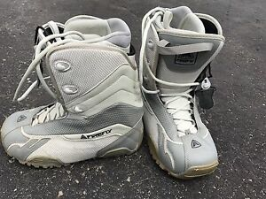 Firefly snowboard boots size 8.5