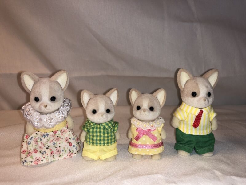 Calico Critters Chihuahua Family
