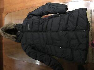 Brand new women's outer coat Marmot, 100% down