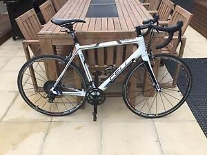 Cell Akuna 1.1 Road Bike, Carbon Frame, Shimano 105 Group Set. Frankston South Frankston Area Preview
