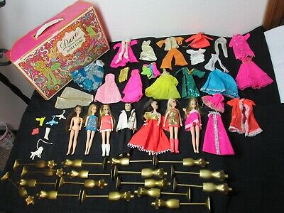 VINTAGE DAWN AND HER FRIENDS DOLL CASE,  7 DOLLS, CLOTHES & ACCESSORIES, FORMS.