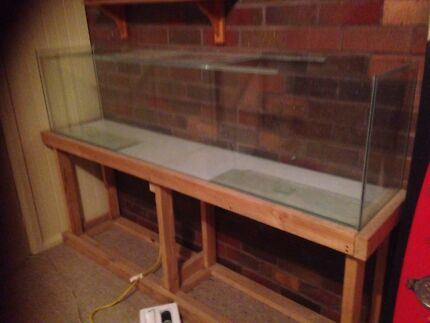 6 ft fish tank with wooden stand Gulgong Mudgee Area Preview