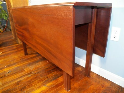 American Chippendale Drop Leaf Table 18th Century Single wide Mahogany boards