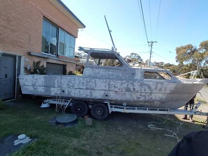 7m project boat with trailer have glass window and steering box