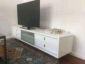 White tv unit Paddington Eastern Suburbs Preview