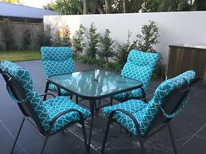 Outdoor furniture setting Caringbah Sutherland Area Preview