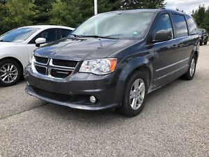 2017 Dodge Grand Caravan Crew Plus / LEATHER / PWR SLIDING DOOR