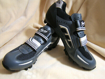 Shimano SH-WR32 Road Cycling Women/'s Shoes SPD SL Clipless Bike Spinning White