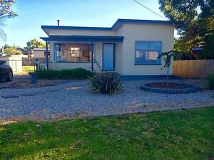 DODGES FERRY - Close to shops, school & beach Dodges Ferry Sorell Area Preview
