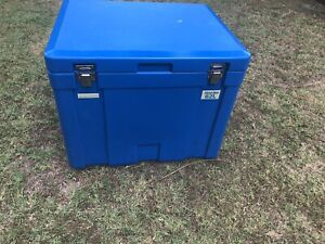 62 L campmaster ice box marine cooler