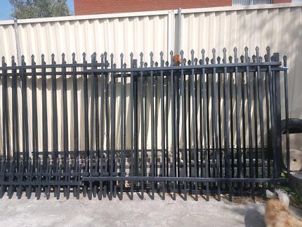 Heavy duty security fences