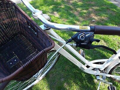 Gaint Liv Flourish step through ladies bike, very little use