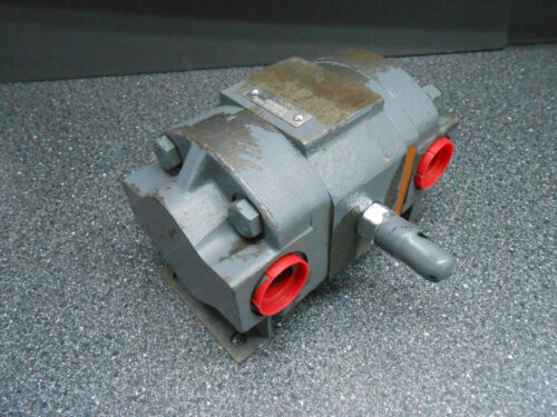"""VIKING PUMP 2 WAY FLOW DIVIDER 1"""" INLET  TO 3/4"""" OUTLETS"""